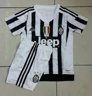 gambar detail jersey anak-anak terbaru musim depan Jual jersey Kids Juventus home terbaru musim 2015/2016