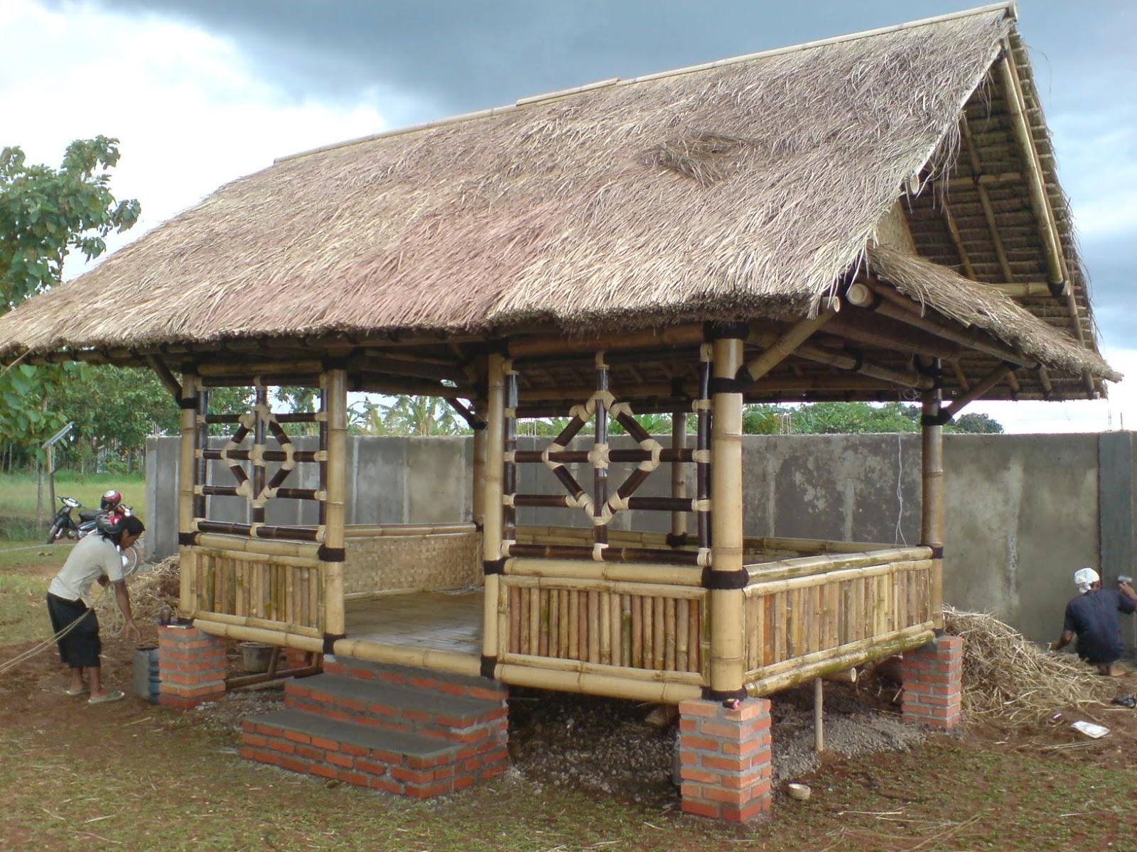 Tukang taman murah saung bambu gazebo kayu kelapa - Pergola bambu ...