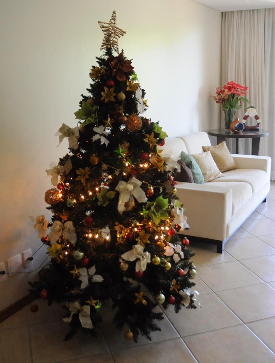 decorar arvore de natal simples: esperando o fim de ano chegar para montar sua linda árvore de natal