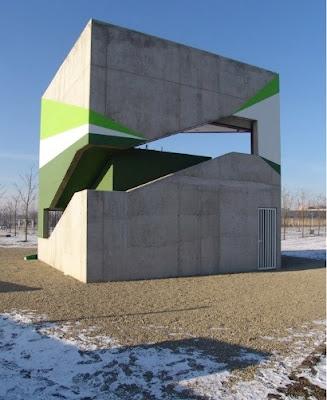 Moderno kiosko bar ubicado en un parque alemán