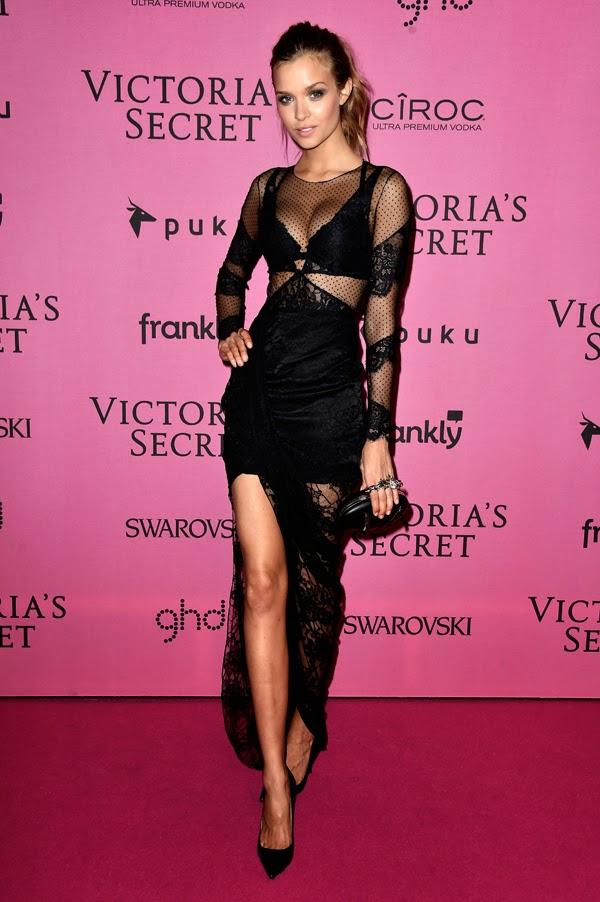 Josephine Skriver la petrecera de lansare din Londra a colectiei Victoria Secret