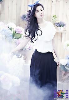 Cute Actress Liu Yi Fei