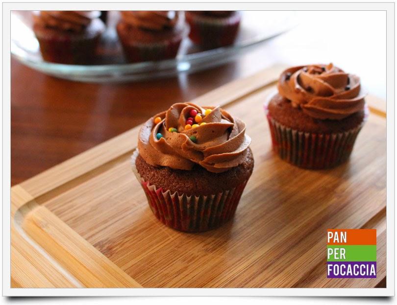 cupcakes al cioccolato e panna acida
