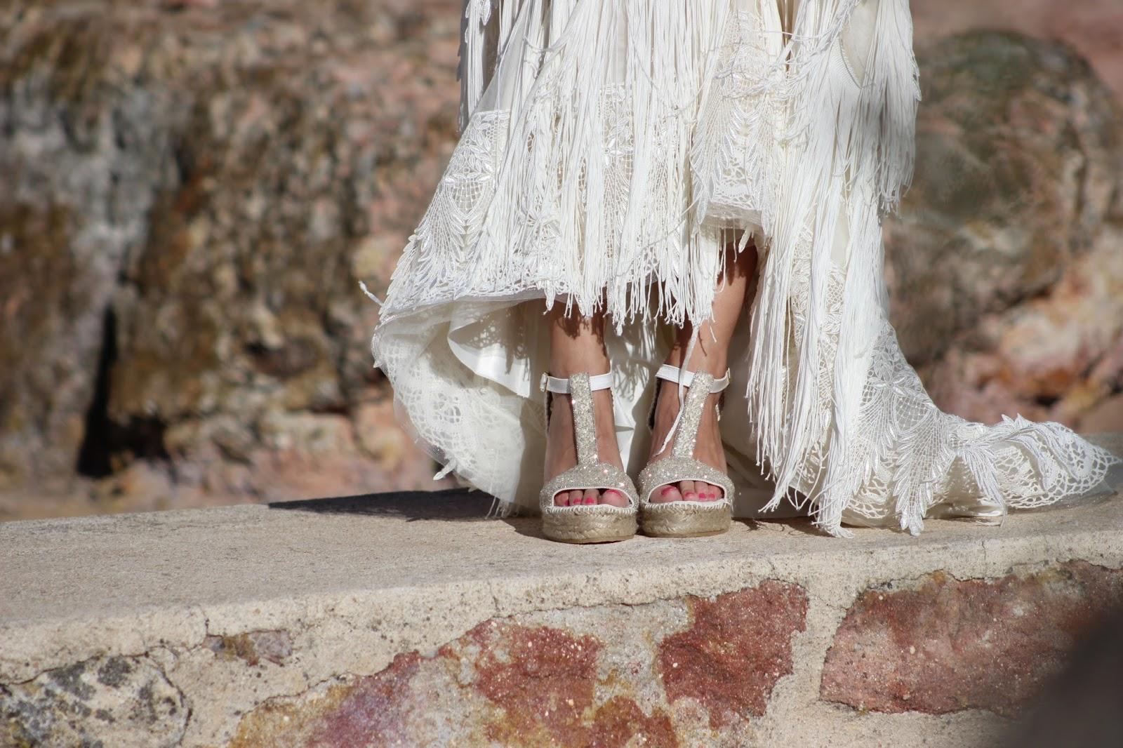 Las novias hacen eco de esta moda para llevarlas durante la ceremonia y después, especialmente en el baile. También las invitadas o en las típicas \u201cfiestas