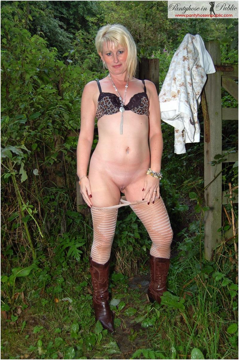 One of sallys website members pays her a visit 5