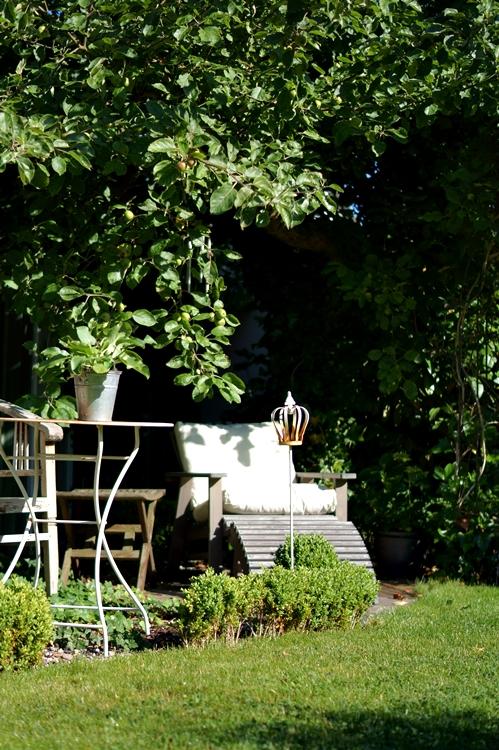 Adirondack Chair unter einem Apfelbaum { by it's me! }