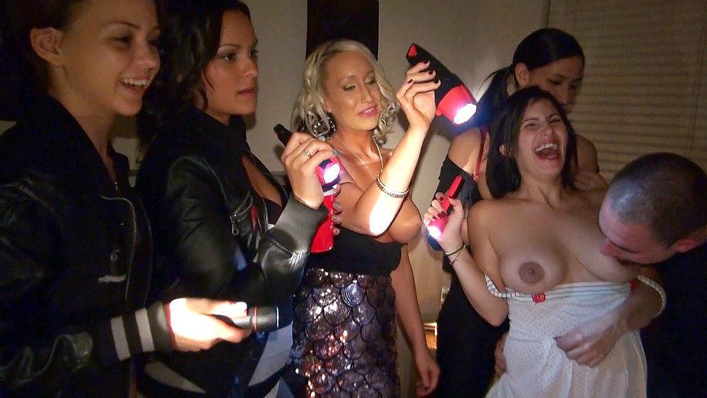 Horny Like a Hurricane – Veronica Rodriguez, Macy Lee, Anastasia Morna Porn Videos, Porn clips and Hottest Porn Videos from Porn World