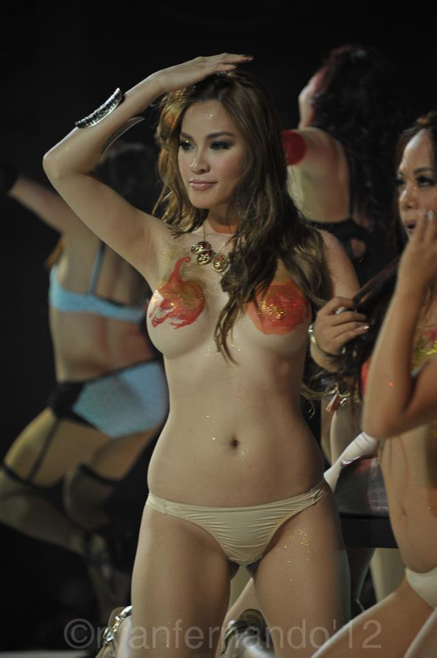 natalie hayashi topless at the fhm philippines 100 sexiest victory party 07