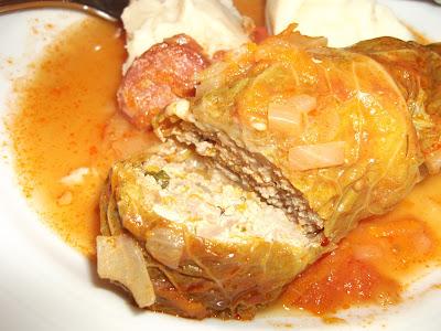 Rolinhos de couve com carne picada