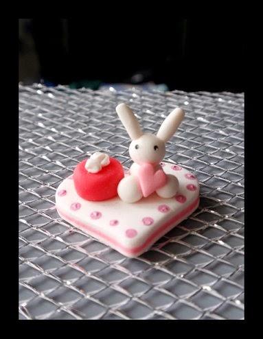 Các chú thỏ siêu cute từ đất sét các bạn nhé:x