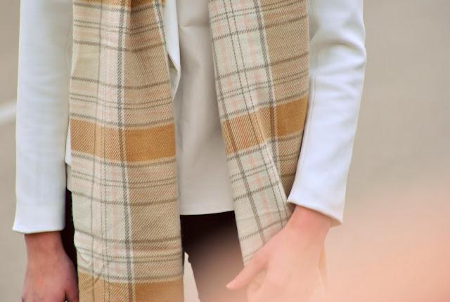 hm H&M beige nude plaid tartan scarf, blogger