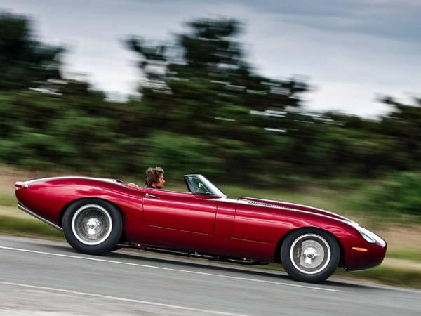 http://2.bp.blogspot.com/-1_nvmE3LJA8/TfMQxvrJD3I/AAAAAAAAAkg/BkklfsYyyZY/s1600/Eagle+Jaguar+E-Type+Speedster+-+Classic+Car+%25283%2529.jpg