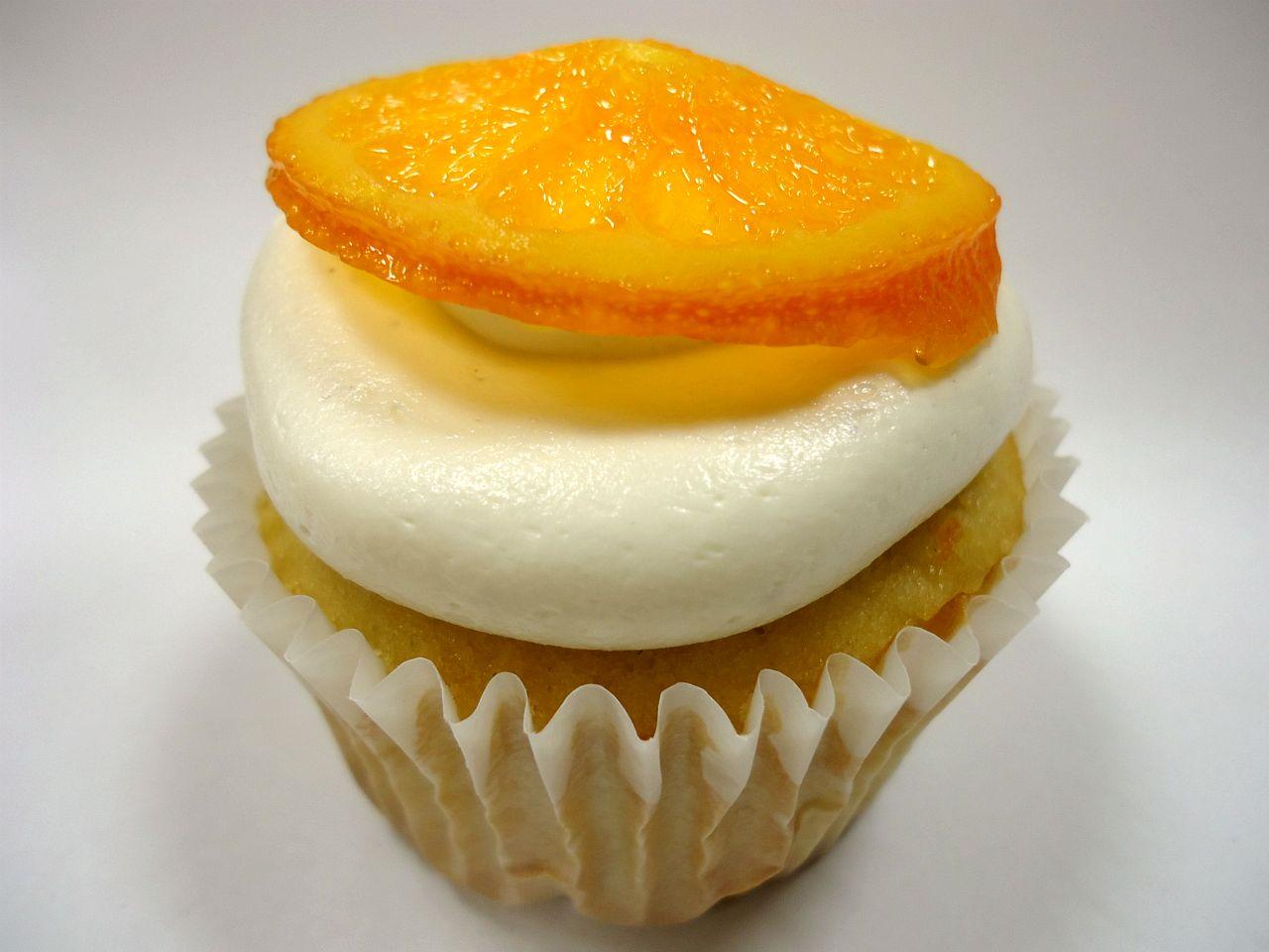 The Beachside Baker: Orange Vanilla Bean Cupcakes