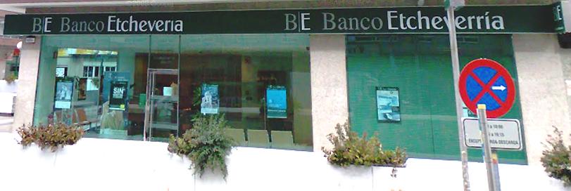 Comercial el banco etcheverr a de la florida de vigo y la for Oficinas banco pastor vigo