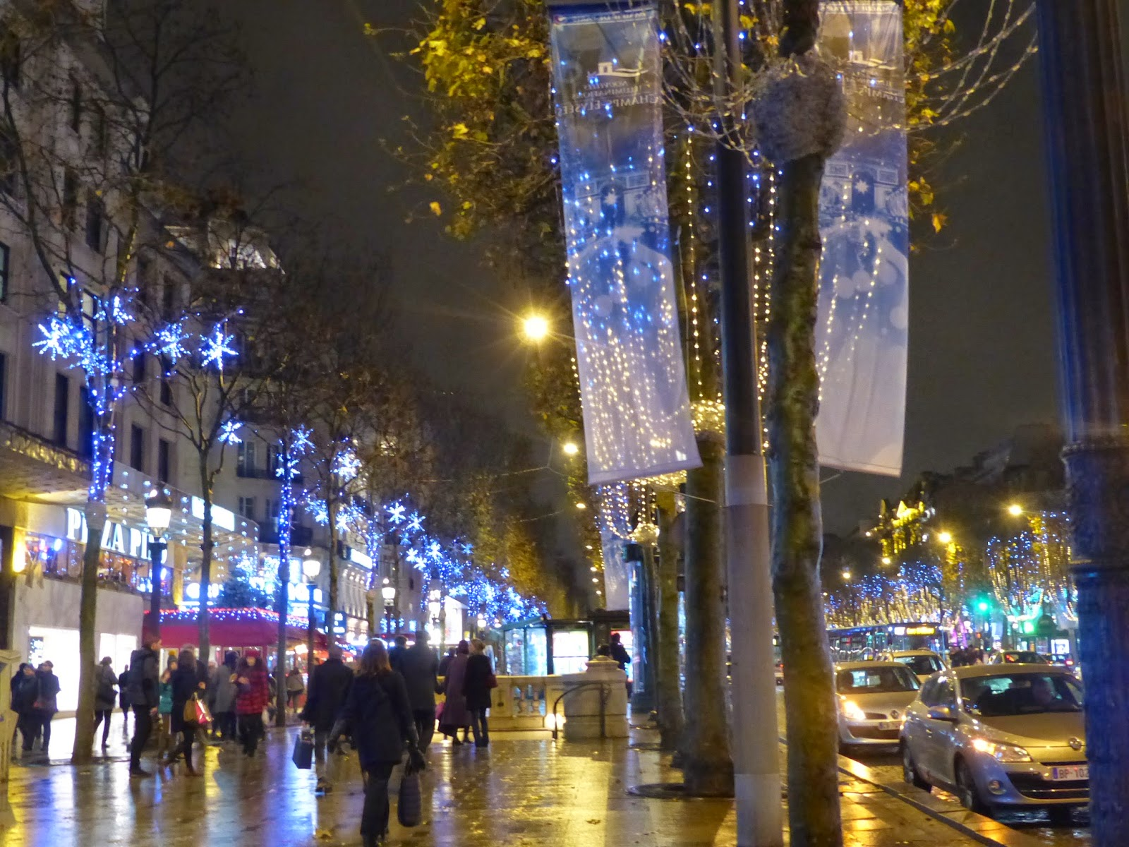 Paris ses illuminations et ses vitrines de no l en 2014 le petit monde de - Illumination paris 2014 ...