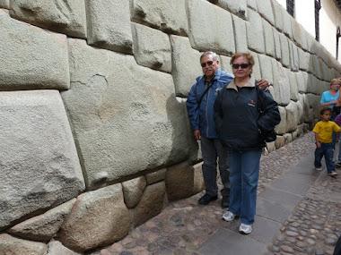 La piedra de los 12 ángulos . Cuzco Perú-.