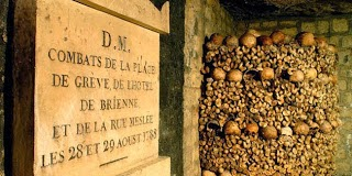 Jutaan Tengkorak Manusia di Paris Catacombs