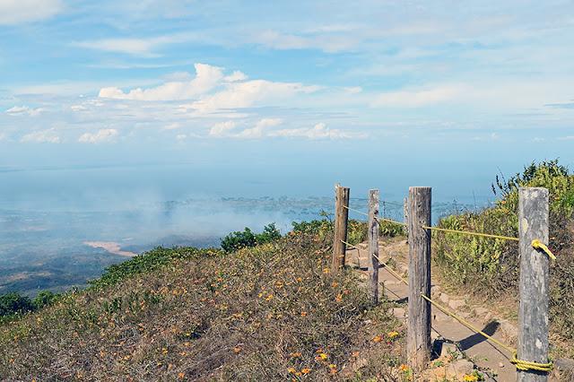 Sentier au sommet du volcan Mombacho