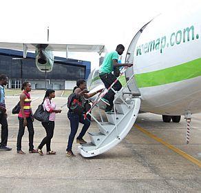 Acre 'deporta' para São Paulo 400 refugiados do Haiti