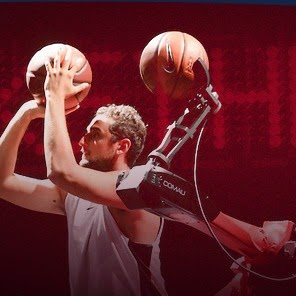 Veja vídeo robô mostra boa pontaria no basquete