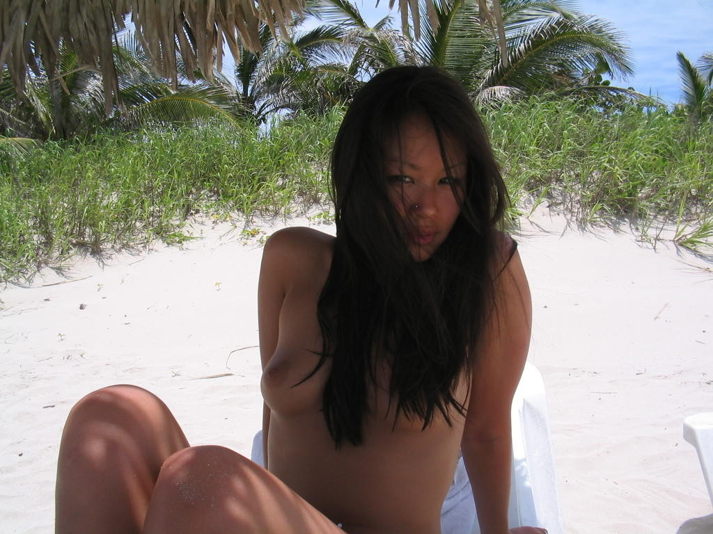 nude filipina in beach