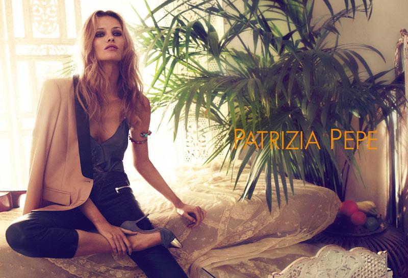 edita vilkeviciute for patrizia pepe fashionalitte. Black Bedroom Furniture Sets. Home Design Ideas