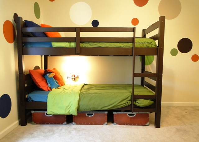 Salvage Savvy: Room to Grow: Decorating a Boy's Bedroom