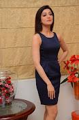 Pranitha Subhash Dynamite-thumbnail-10