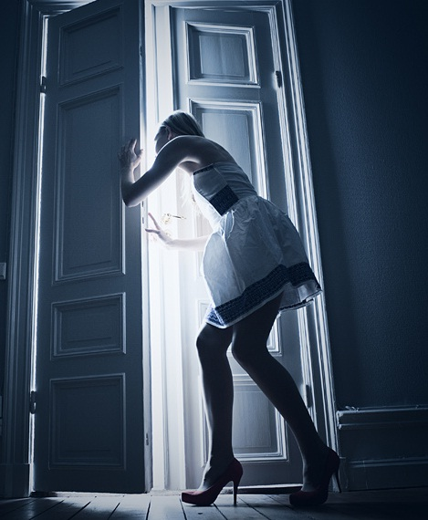 How to sneak out at night without your parents knowing