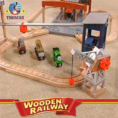 New Thomas and friends Percy at the Dieselworks playset Learning Curve toy wooden railway train set