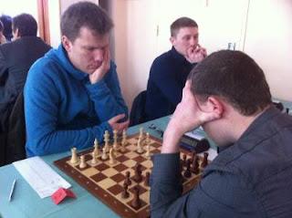 Echecs à Malakoff : Tiger Hillarp Persson a battu Jean-Pierre Le Roux ronde 8 © Chess & Strategy
