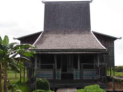Seni Budaya Dan Peinggalan Sejarah Provinsi Kalimantan Selatan