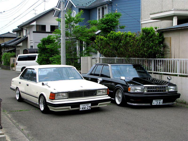 Nissan Cedric/Gloria & Toyota Crown  stary japoński samochód, klasyk, oldschool, 日本車, クラシックカー