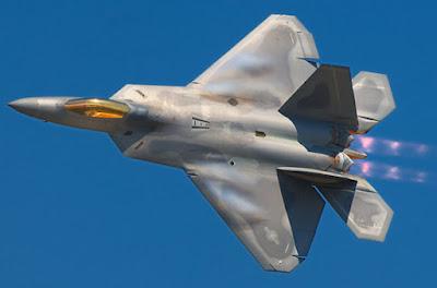 Pesawat Tempur F-22 Raptor