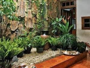 model taman dalam rumah minimalis model minimalist
