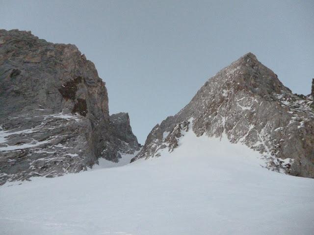 Pirineos:La Forcanada, Corredor NO