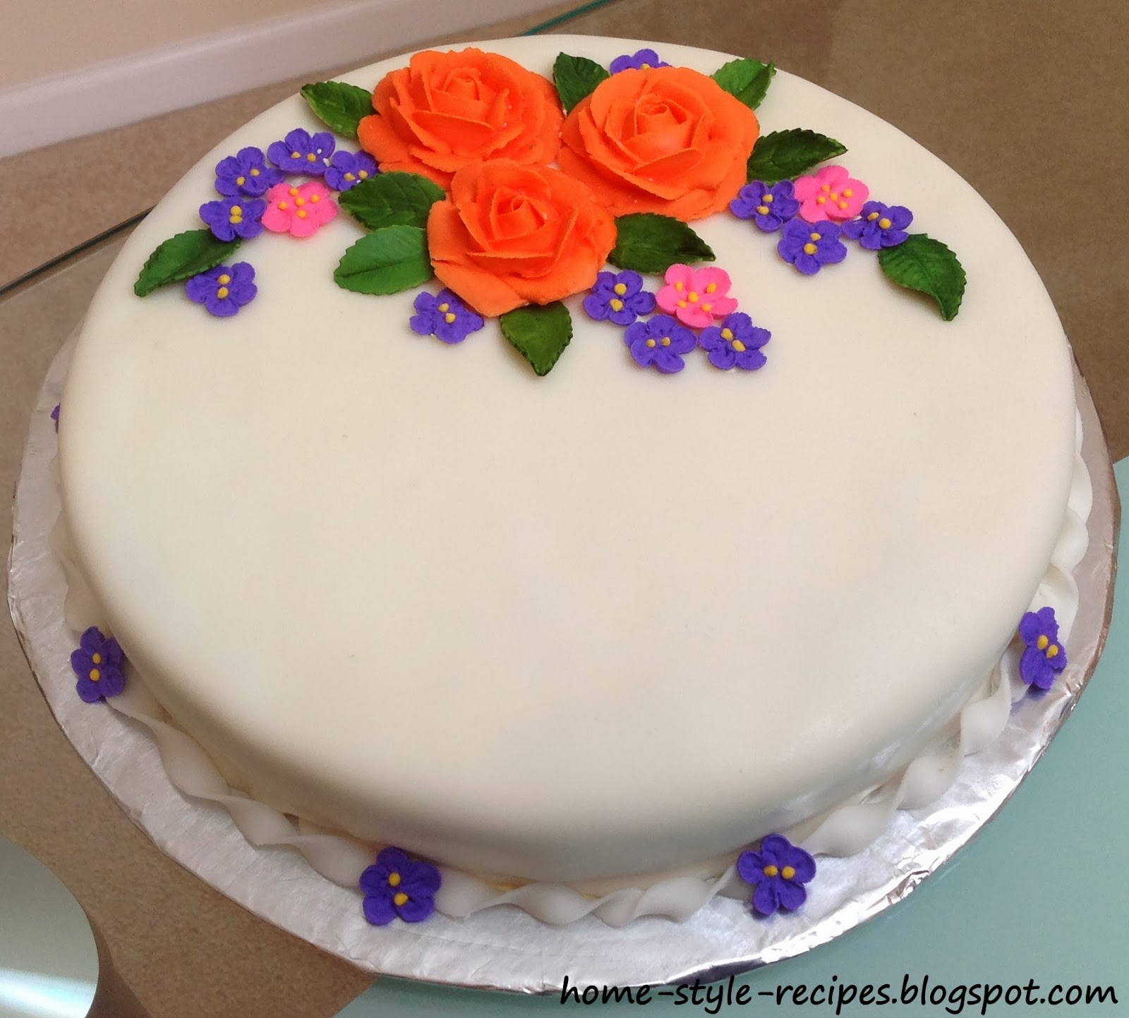 Cake With Royal Icing Flowers : Share-A-Recipe: Cake with Royal Icing flowers