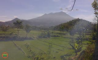 Tiga Puncak Gunung Lawu
