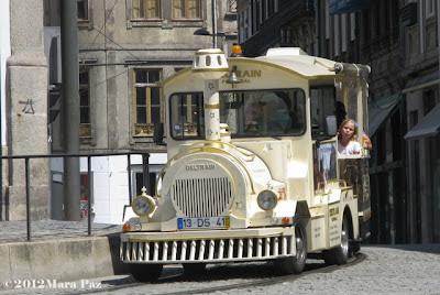 comboio turistico no Porto