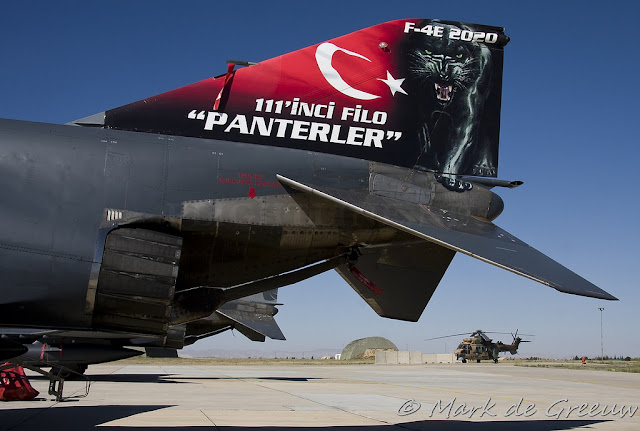 f4 phantom panterler kuyruk