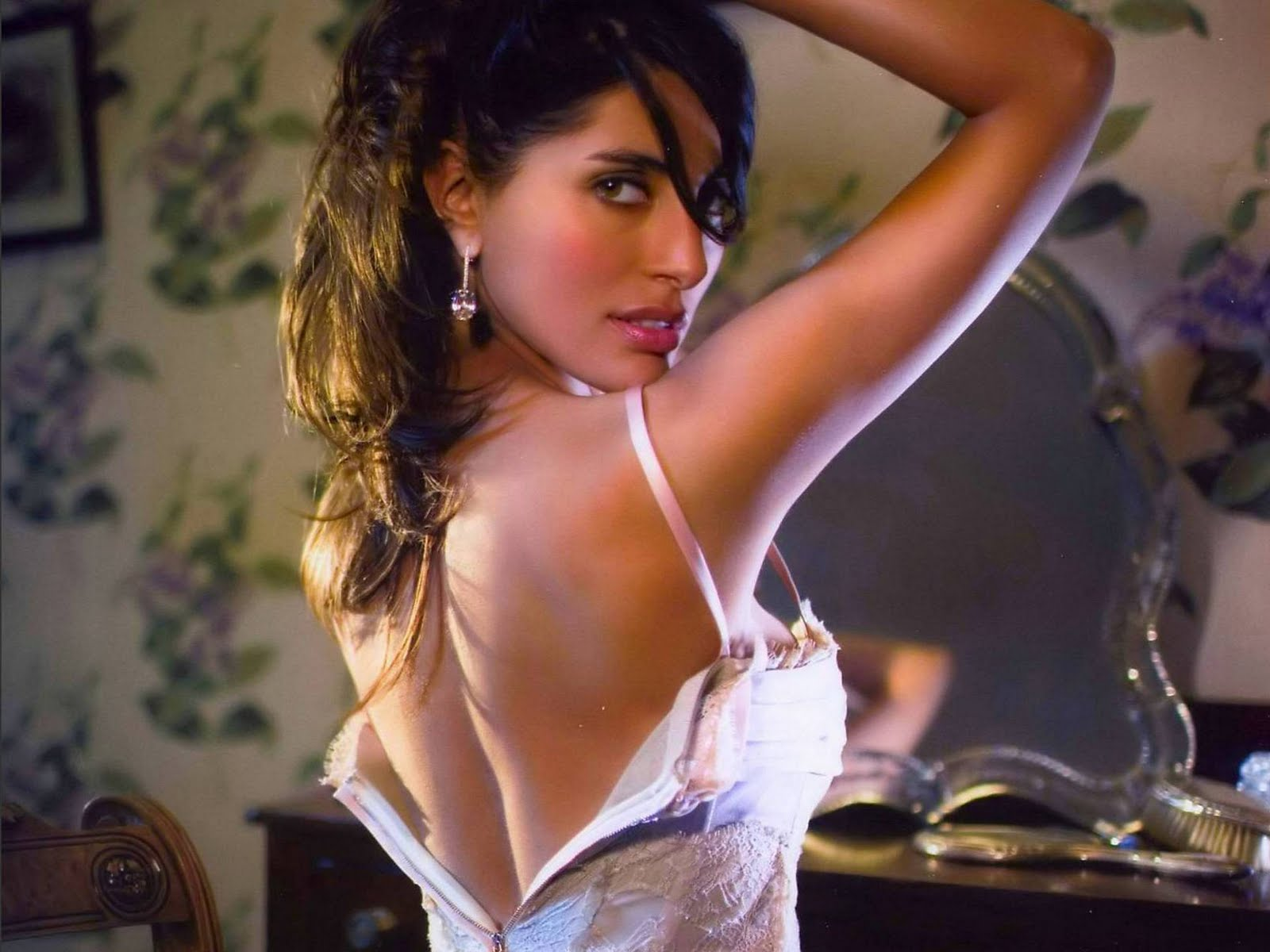Caterina Murino Hot Pictures  Photo Gallery  amp  WallpapersCaterina Murino Hot Casino Royale