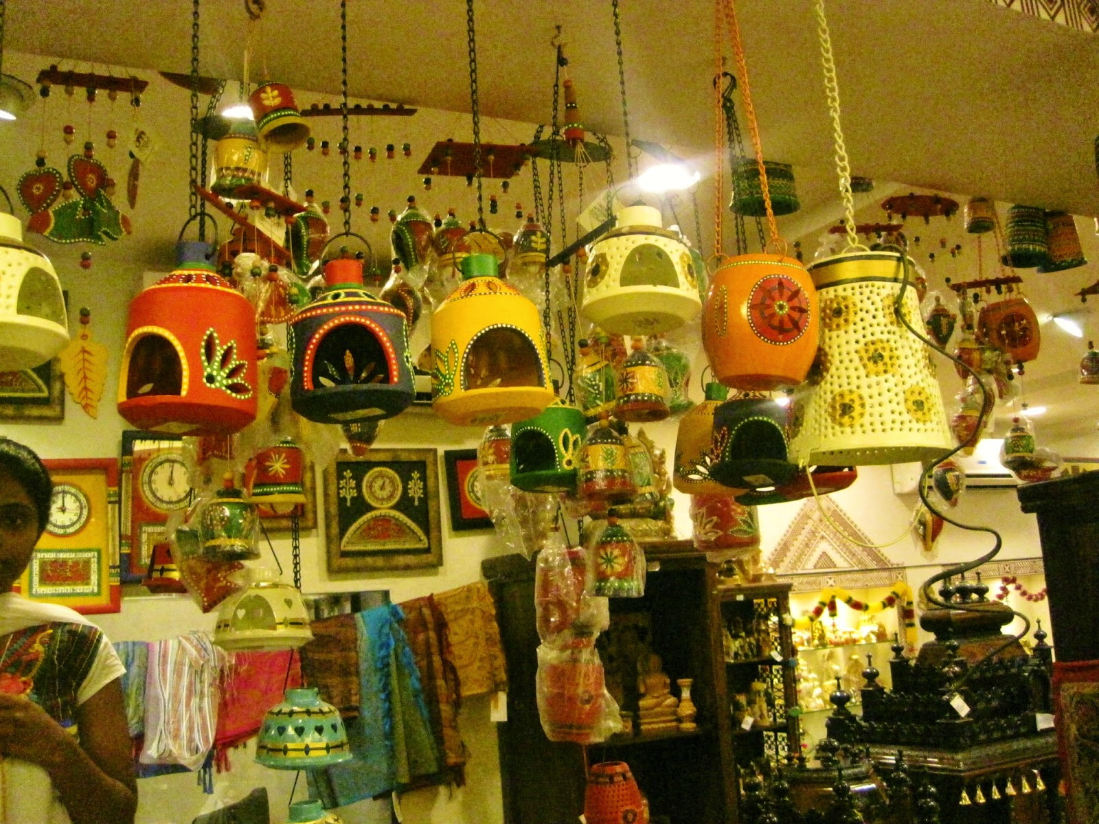 Fish aquarium in jayanagar - A Good Variety Of Wind Chimes Hanging Lamps Lanterns Are Up For Sale Costs Around Rs 350 To Rs 500 Available In Metal As Well As Terracotta