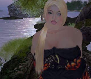 blonde bbw