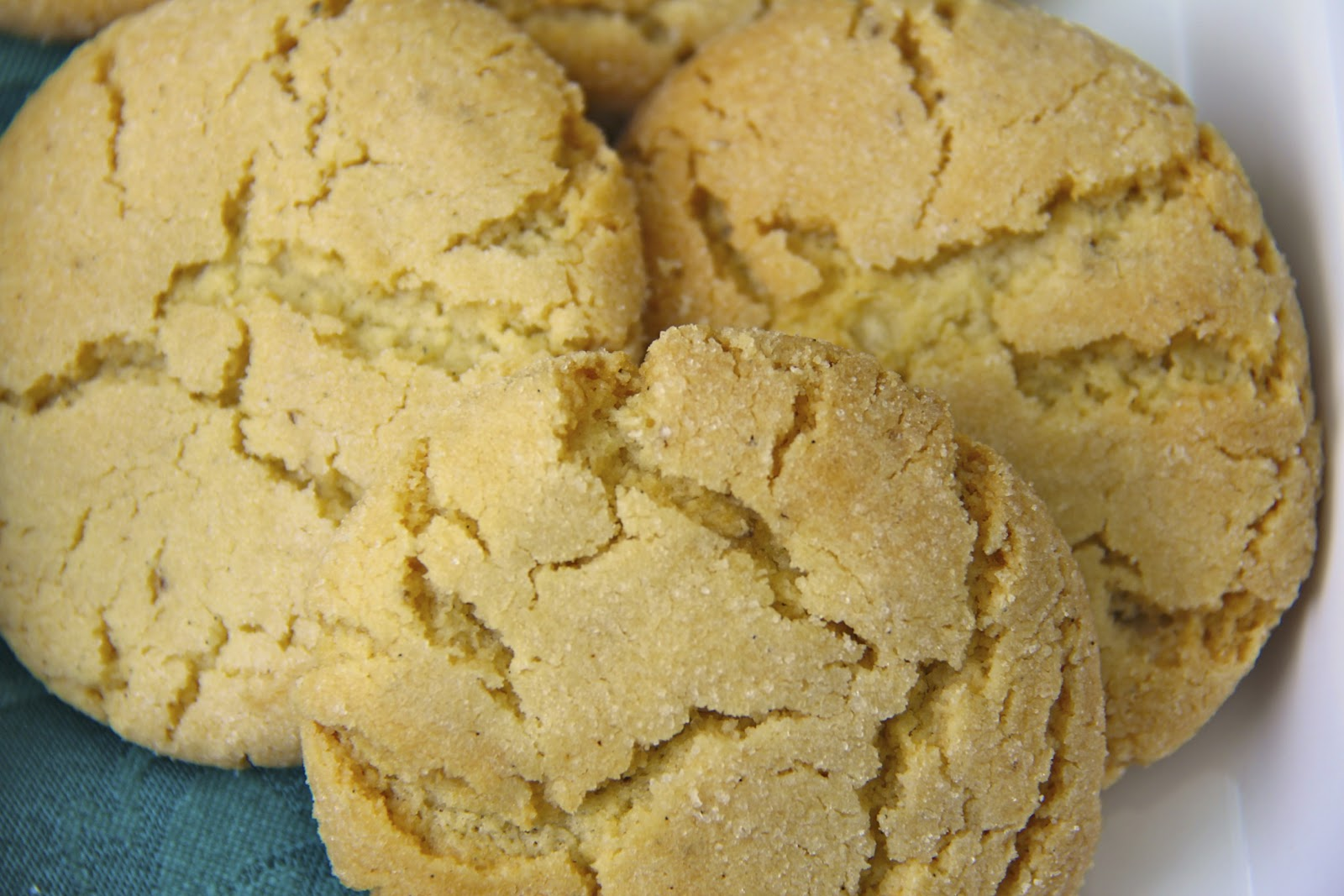 Crinkly, Crackly Vanilla Bean Sugar Cookies | The Café Sucre Farine