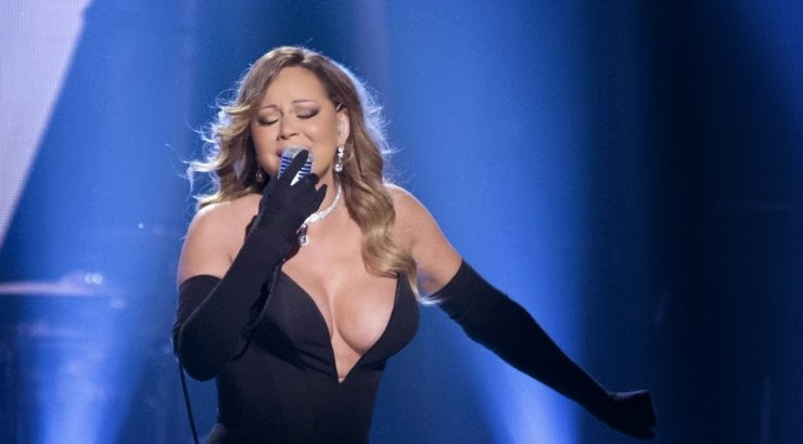 Mariah Carey Gorgeous or Wardrobe Malfunction?