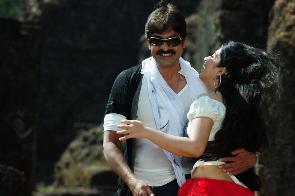 jagapathicharmi at nagaram nidra potunna vela spicy movie