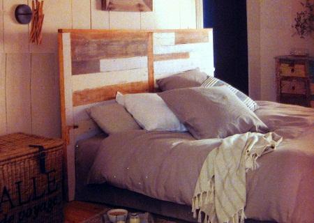 Cabeceras con madera reciclada muebles con - Cabecera de cama reciclada ...