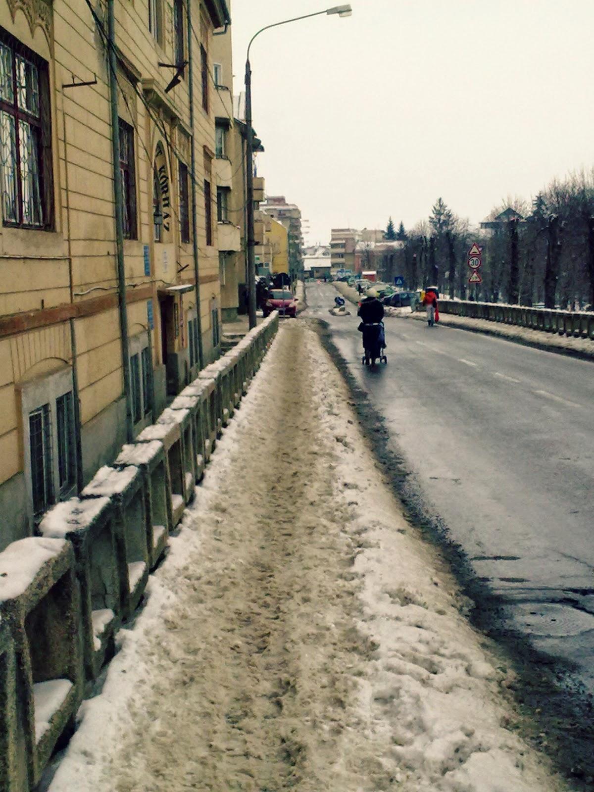 hótakarítás, Sepsiszentgyörgy, Gábor Áron utca, tél