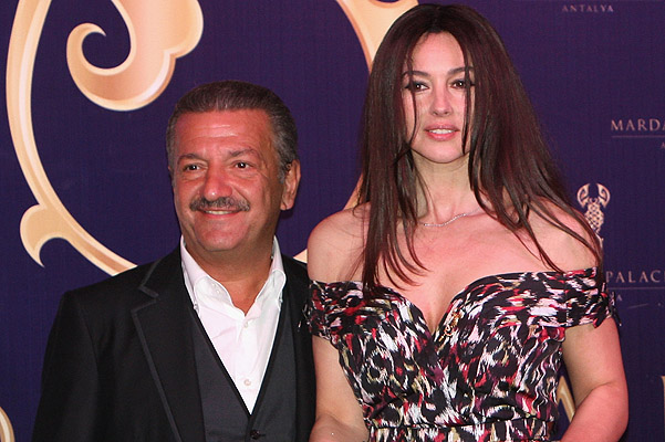 Monica Bellucci divorced because of the oligarch Telman ... Monica Bellucci Divorce