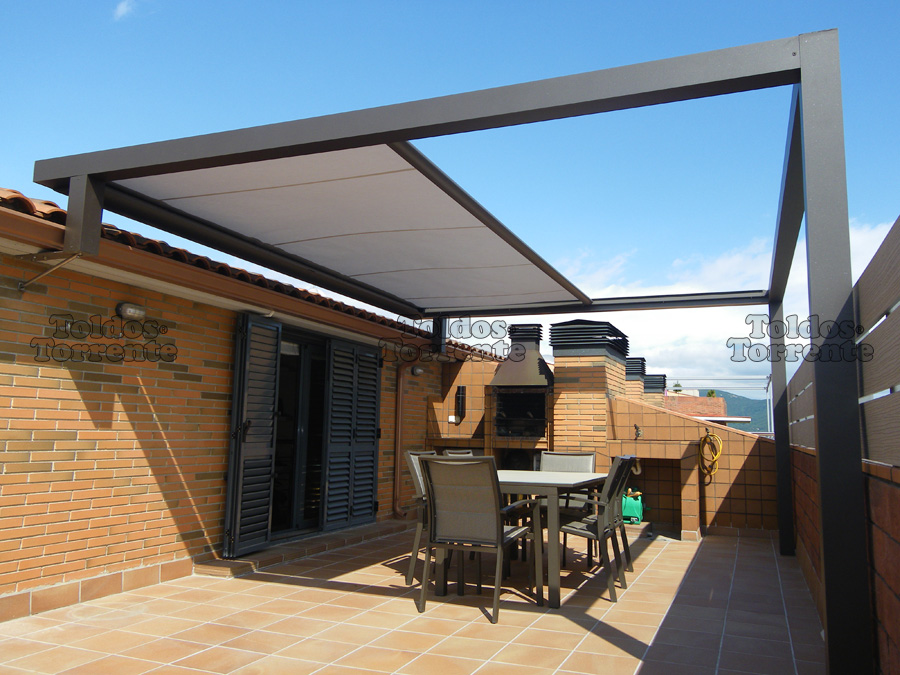 Decorando dormitorios fotos de terrazas en edificios for Toldos para terrazas en azoteas
